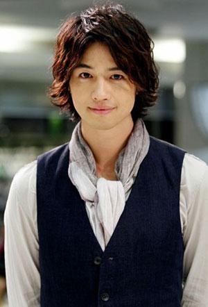俳優、斎藤工さんのドラマでの役柄と、彼の本当の性格とは?