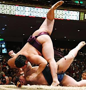 大相撲話題の力士『遠藤関』プロフィール、朝青龍との意外な関係は?