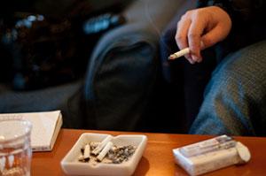 つんく♂声ガラガラの原因は、煙草と飲酒?喉頭がんの原因と症状とは?