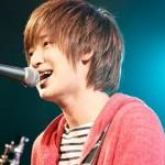 シンガーソングライター佐香智久のプロフィール、歌詞の魅力を探った