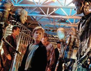 映画、シックスセンスの子役だったオスメントの現在は衝撃的だった!