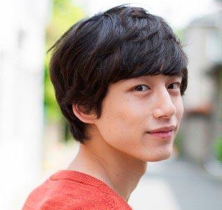 坂口健太郎は塩顔男子、特徴や髪型をイケメン芸能人の画像でまとめ!