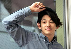 俳優瑛太の父永山博文の自殺の原因とは?兄弟と親子関係は良かったはずだが